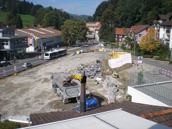 Blick auf die Bauarbeiten am neuen Let's drive AG Standort am westlichen Dorfeingang von Unterägeri