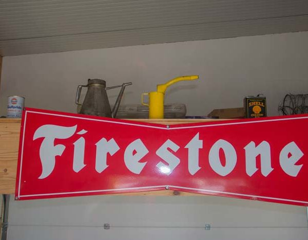 Originales Firestone-Emailschild mit 150 cm Breite